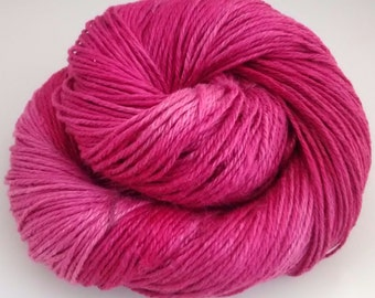 Hand-dyed linen yarn, DK, double knitting,Pink Crush