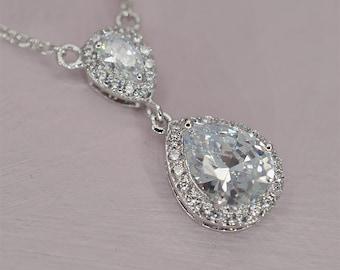 Crystal Bridal Necklace Teardrop Wedding Necklace Cubic Zirconia Bridal Jewellery Rhinestone Wedding Necklace for Brides Teardrop Pendant