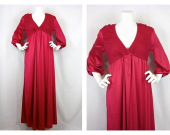 Vintage 60s Peignoir, Kayser Brand, Sz M / L, Gown and Robe, Smocked