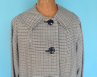 Vintage 1960s Mod Houndstooth Check Coat Black and White S M L