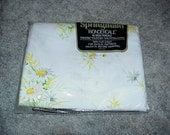 Vintage--Springmaid--Daisy--Wondercale--TWIN Flat SHEET--No Iron Percale--NOS--Unused--Sealed Package--Daisies