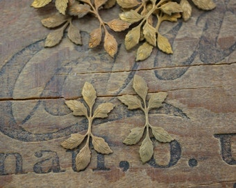 Brass Leaf Stamping Vintage Brass Stampings Leaf with Patina (2) Group 1