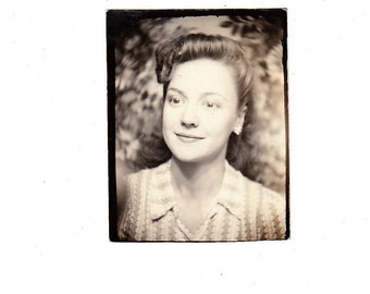 vintage Photo Booth Photo Pretty Teenage Girl Woman Face Portrait 1940s