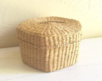 Vintage Woven Basket with Lid Storage
