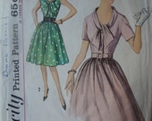 Early 1960s Vintage Dress Sewing Pattern, Simplicity 4905, bust 32