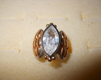 Vintage Ladies Ring with Large Oval Rhinestone Size 4 1/2