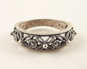 Size 6.5 Vintage Openwork Studded Sterling Band Ring
