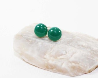 Green Onyx Gemstone . 8mm Round Dome . Sterling Silver Posts Studs Earrings . Emerald Green . E15090