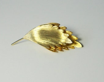 Gold Tone Double LEAF Brooch. Leaf Pin