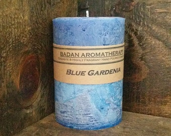 "Badan Body Blue Gardenia Pillar Candle, Handmade Classic Floral Candle, Medium 3""x4.5"""
