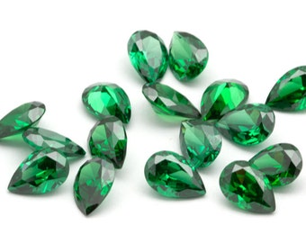 6mm x 9mm Faceted Cubic Zirconia CZ Gemstones // Teardrop Pear Shaped // Emerald Green CZ // Faceted Gemstone // Synthetic Gemstones