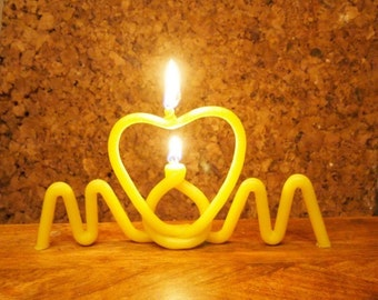 MOM candle - Mothers day gift -pure beeswax - mom is in your heart - cake topper -
