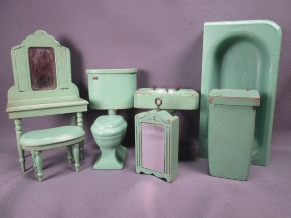 Early Strombecker Wooden Dollhouse Bathroom Furniture