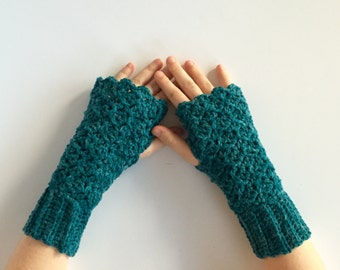 Crochet PATTERN fingerless gloves - wrist warmer - fingerless gloves - Queens Lace fingerless gloves