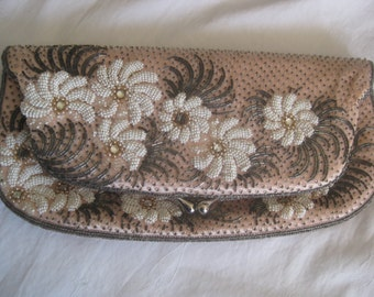 Vintage gorgeous hand made beaded elegant evening clutch, pink with white flowers