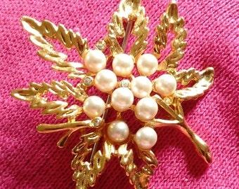 SALE Vintage Leaf Pearl Rhinstone Brooch Pin GOLD TONE