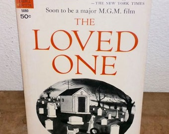 The Loved One by Evelyn Waugh Vintage Paperback Book