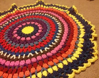 Spring SHOP EVENT Circle Afghan Blanket, Round Throw, Heavy Blanket, Blue and Gold