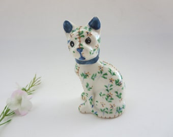 Vintage Cat Salt Shaker  -  Calico Cat Salt Shaker - White Calico pattern with blue and green details - Made in Japan