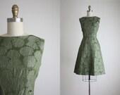 1960s chrysanthemum dress