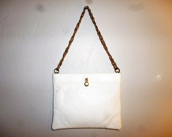 The Missing Link -Vintage 70's - Ande - Crisp White - Stitched Leather - Gold Tone Accents - Chain LINK - Hand Bag - 8.5 x 7 x .5