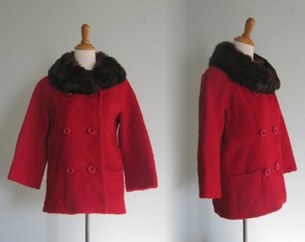 Vintage 1960s Coat - Lovely Red Wool Boucle Short Coat with Fur Collar - 60s Red Jacket M L