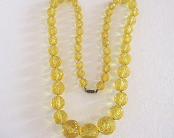 Vintage Yellow Faceted Graduated Beads Necklace