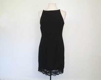 HOLLY GOLIGHTLY // 90s lace halter neck little black dress / M