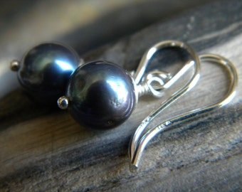 Iridescent blue black cultured pearl earrings - Sterling silver handmade jewelry - June birthstone