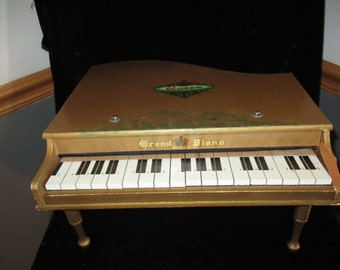 Piano~Wooden Toy Piano ~ Queen Grand Piano-Wood Keys that Really Play -Three Leg Grand Piano Vintage Japan