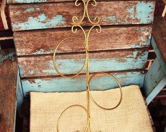 Vintage Metal Towel Rack Holder Hanger Wall Hanging Vanity Decor Hollywood Regency Brass Gold Tone Hand Towel Display Loop Hoop Prop