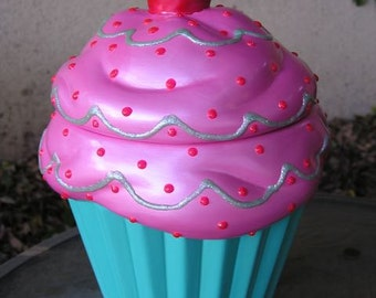 Cotton Candy 3-D Raspberry Mint Cream Cupcake Jar