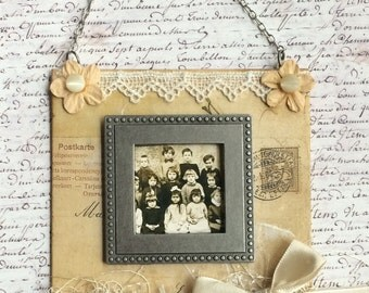 Vintage Style Miniature Magnetic Wall Frame With Chain Hanger