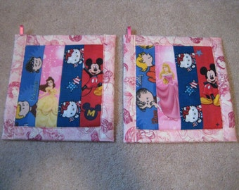 Disney and Other Comic Strips  Kitchen Potholder Set