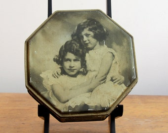 Price Reduced - Vintage Royal Princesses Candy Tin - 1930s Mackintosh's candy - unique octagon shape - wonderful keepsake