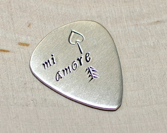 Sterling silver Mi Amore Guitar Pick with Custom Arrow Engraving - solid 925 GP919
