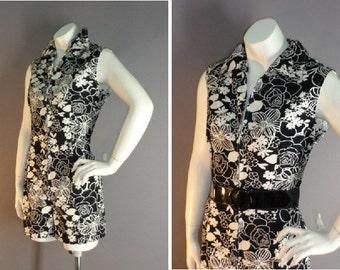 50s 60s playsuit 1950s 1960s vintage BLACK WHITE ROSES print jumpsuit playsuit cotton zip front shorts