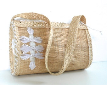 Vintage Shells Embroidered Straw Purse