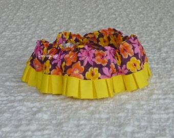 """Mariposa Floral Dog Scrunchie Collar with yellow pleated trim - Size S: 12"""" to 14"""" neck - TrY Me PRicE"""