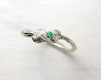 Cute Delicate Emerald Leaf Silver Ring Green May Birthstone Spring Foliage Hand Carved Solitaire Boho Gift Idea For Her Feminine - Maiblatt