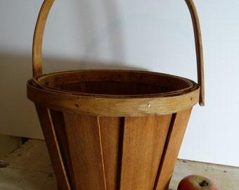 Vintage Signed Handcrafted Butternut and White Oak Apple Basket . Gathering Basket