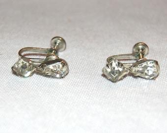 Vintage / Rhinestone / Clear /  Earrings / Screw Back / old jewelry