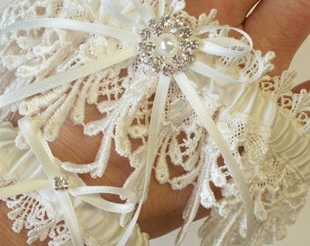 Lace Garter, Wedding Garter, Ivory Garter Set with Ivory Bows - The ANNA Garter Set