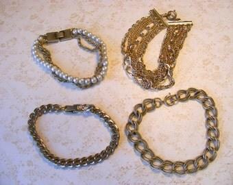 DESTASH Vintage Gold-tone Charm Bracelets, Pearl Bracelet, Metal Link Bracelets for Crafts