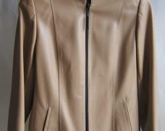 Soft lambskin beige and black jacket.-