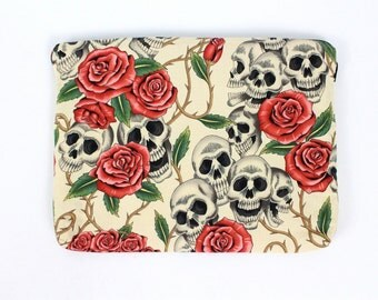 Skull and Roses Ipad / Tablet Sleeve