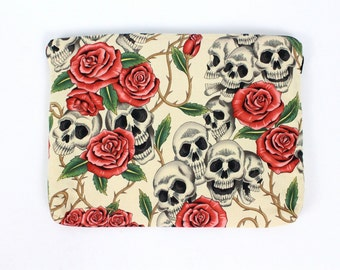 Skull and Roses Ipad / Tablet Sleeve