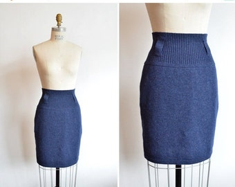 30% OFF STOREWIDE / Vintage 1980s BENETTON highwaist wool mini skirt