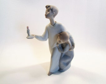 Vintage Lladro Boy in Night-Shirt #4874 Matte Made in Spain Boy and Girl