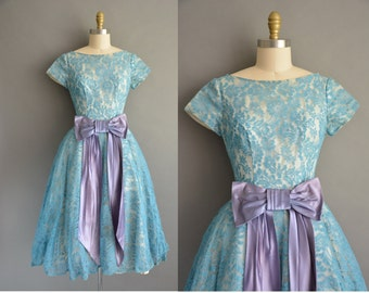 50s blue lace full skirt vintage cupcake party dress / vintage 1950s dress